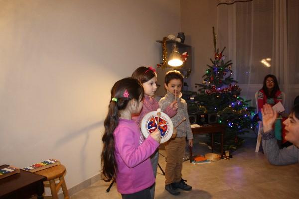 école de musique noves : musique in Nov' petit noël de l'éveil musical - du matériel pédagogique adapté, des ateliers par niveau d'âge, on joue, on chante, on danse, on s'initie....