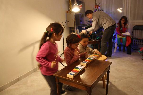 école de musique Noves: musique in Nov' les plus petits au carillon, pas facile...
